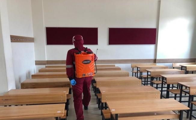 Sağlıklı eğitim için Keçiören'de okullar dezenfekte edildi