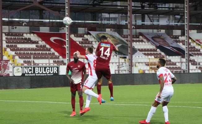 Süper Lig: A. Hatayspor: 1 - Antalyaspor: 0 (İlk yarı)