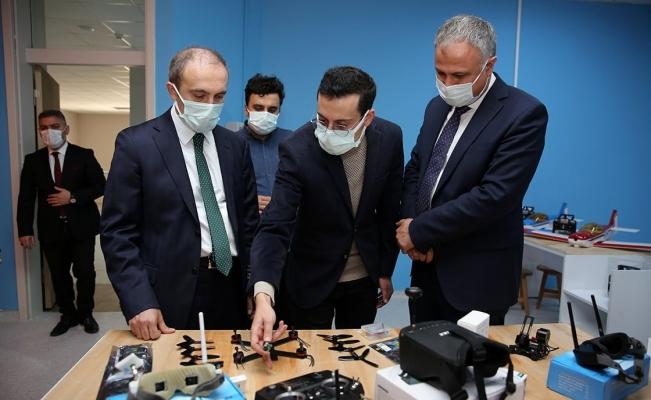 """Türkiye'nin ilklerini barındıran """"Tasarım ve Beceri Merkezi"""" açılış için gün sayıyor"""