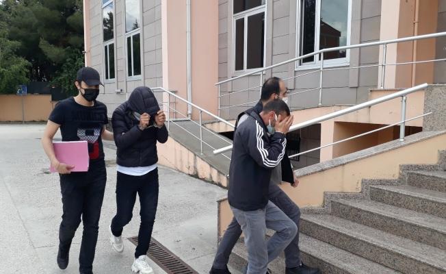 500 uyuşturucu hapla yakalanan 2 kişi tutuklandı