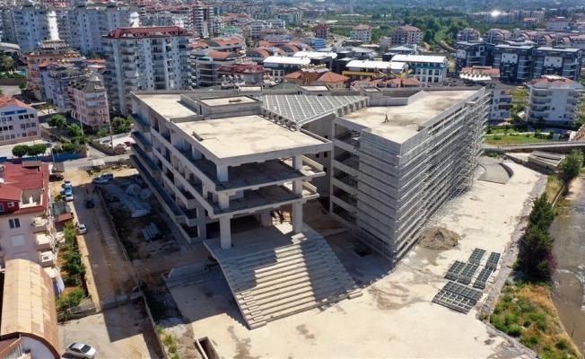 Alanya Belediyesi hizmet binası inşaatında çalışmalar hızlandı
