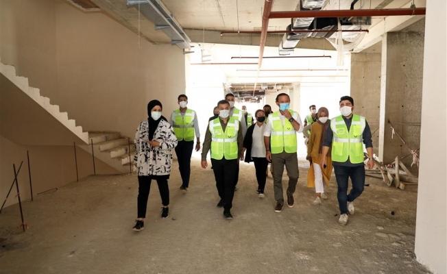Alanya Belediyesi'nin yeni binası hizmet için gün sayıyor
