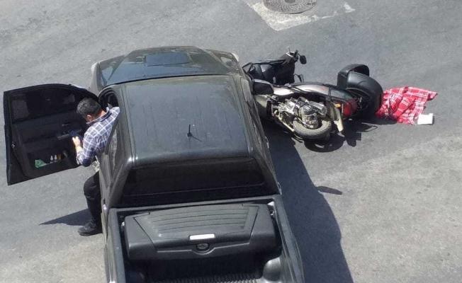 Alanya'da kamyonetle motosiklet çarpıştı: 1 yaralı