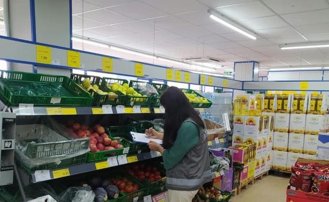 Aslanapa'da marketlerde ürün fiyat kontrolü