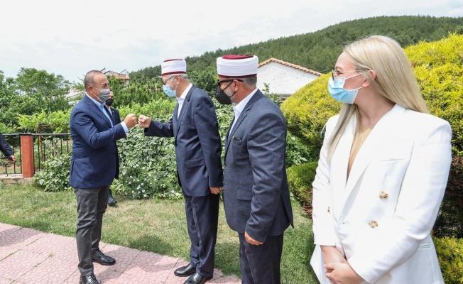 Bakan Çavuşoğlu, Batı Trakya'da onuruna verilen öğle yemeğine katıldı