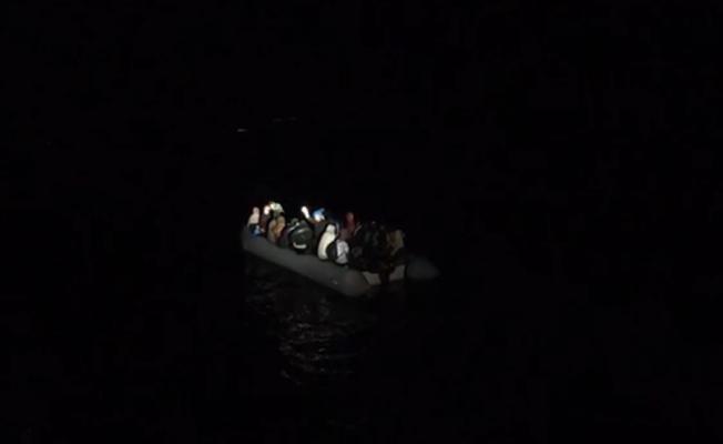 Balıkesir açıklarında 28 düzensiz göçmen kurtarıldı