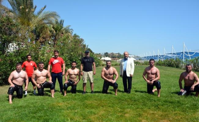 Başkan Sözen, güreş takımıyla bir araya geldi