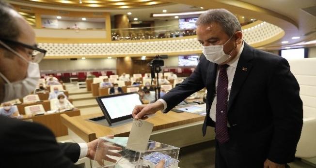 Başkan Yücel Kültür ve Turizm Komisyonu'na seçildi