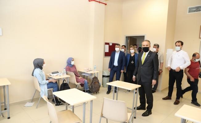 Bursa Büyükşehir'le adım adım üniversiteye
