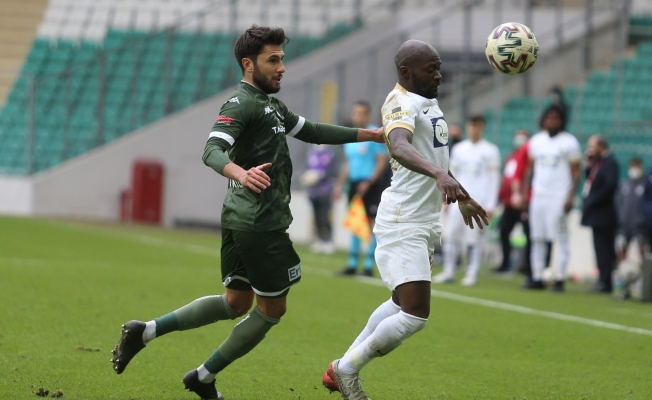 Bursaspor'da 6 futbolcu bugün boşa çıkıyor