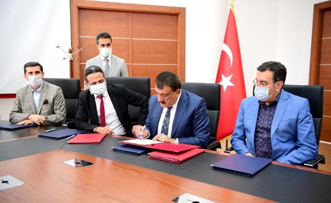 Malatya kent meydanı için protokol imza töreni düzenlendi