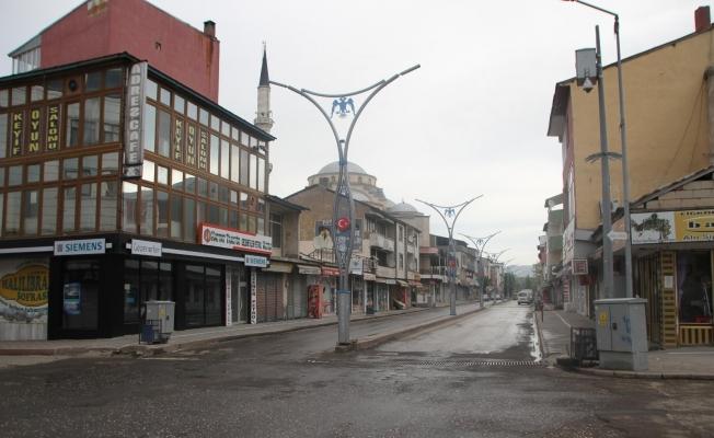 Malazgirt'te sokağa çıkma kısıtlaması nedeniyle sokaklar sessizliğe büründü