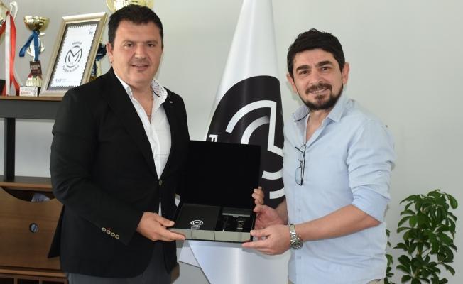 Manisa FK, Taner Savut'la yollarını ayırdı