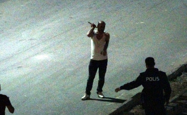 Muş'ta cinnet getiren şahsı polis ikna etti