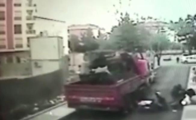 (Özel)Maltepe'de kuryelerin feci kazası kamerada