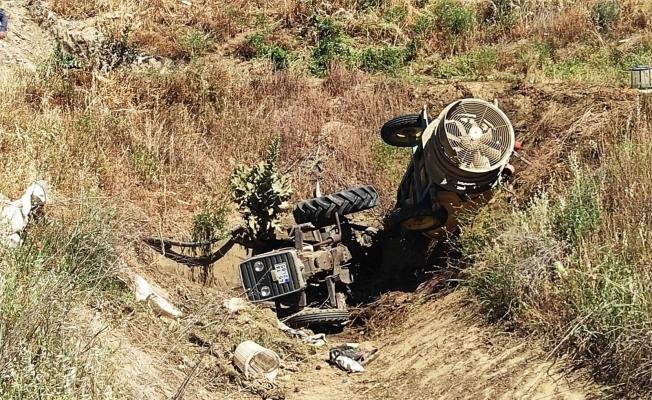 Sarıgöl'de traktör devrildi: 1 yaralı