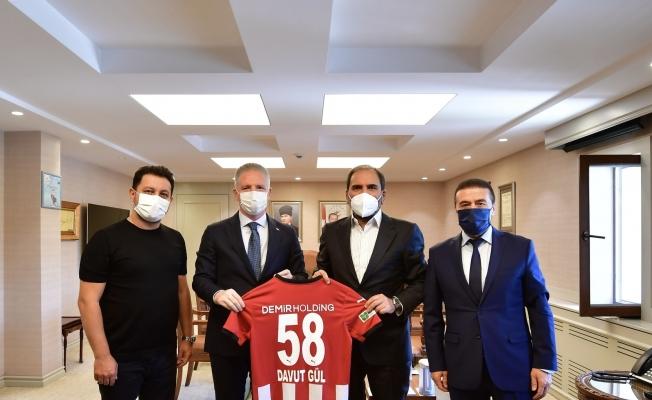 Sivasspor Başkanı Otyakmaz'dan Gaziantep Valisi Davut Gül'e ziyaret