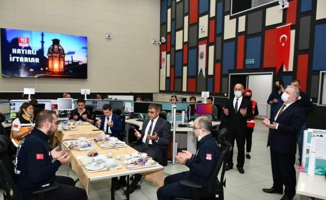 Vali Gürel, 112 personeli ile iftar açtı