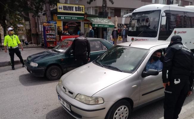 Yozgat'ta tam kapanmada kurallara uymayan 301 kişiye 323 bin 167 lira ceza yazıldı