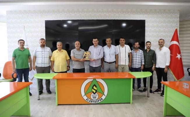 Alanya MHP'den Çavuşoğlu'na ziyaret