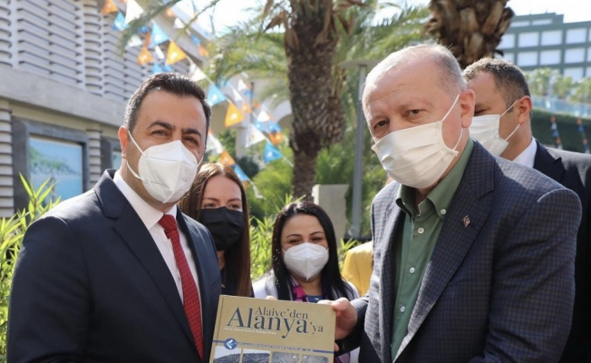 Alanya'nın kitabı Cumhurbaşkanı Erdoğan'a verildi