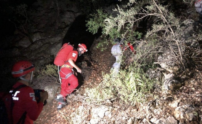 AKUT Alanya ekipleri 2 vatandaşı kurtardı