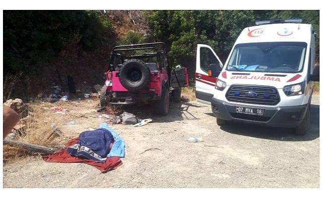 Safari aracı devrildi: 1 ölü 9 yaralı