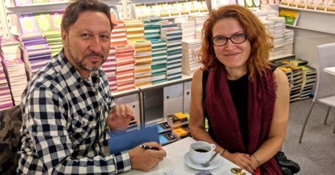 Alanyalı yazar Mollaosmanoğlu Frankfurt'ta kitabını imzaladı
