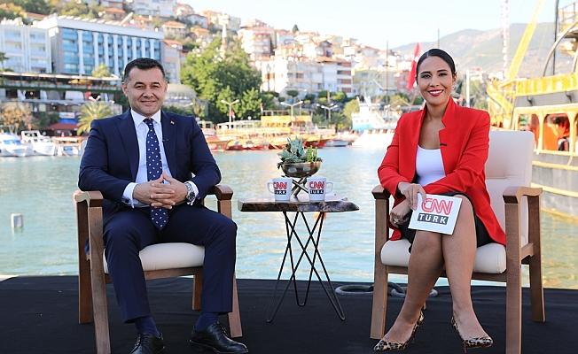 Yücel, Alanya'yı  CNN TÜRK'e anlattı
