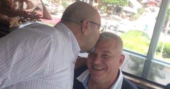 Başak, Şahin'i alnından öptü