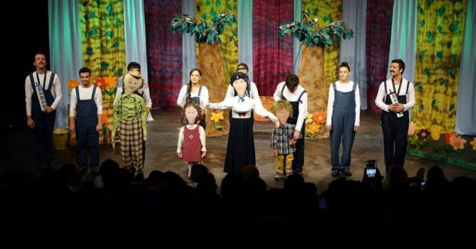 Belediye Tiyatrosu  Adana yolcusu