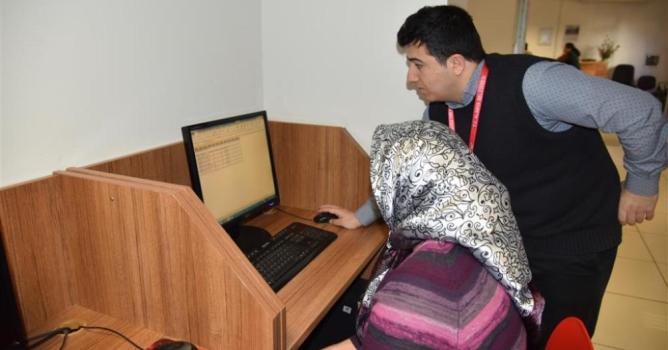 Bilgisayar eğitimi devam ediyor