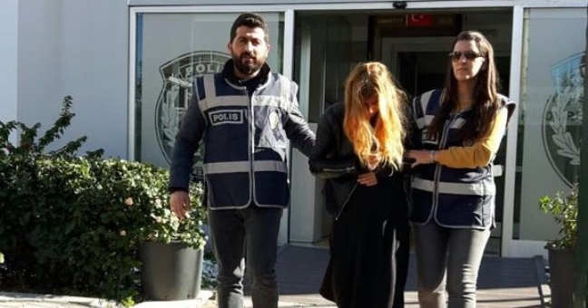 Bir evden hırsızlık yapan kadın tutuklandı
