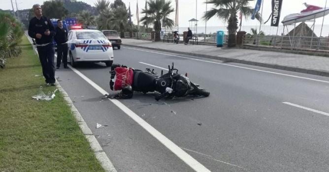 Direksiyon hakimiyetini kaybeden sürücü yaralandı