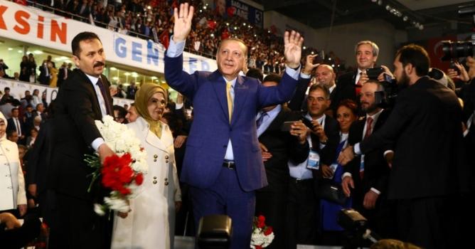 Erdoğan'dan ilk mesaj:  Teşkilatlar yenilenecek