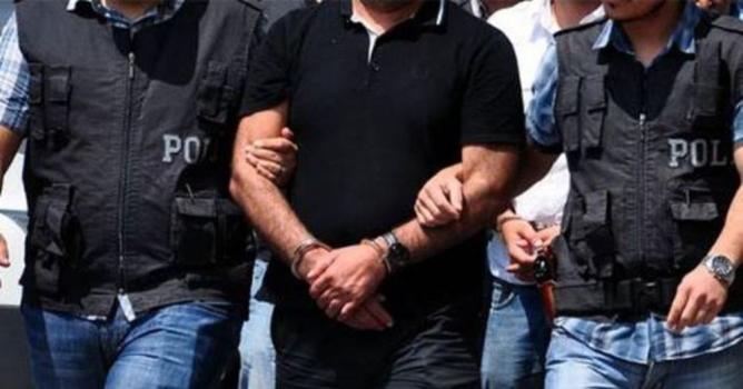 Eski emniyet amiri  FETÖ'den gözaltına alındı
