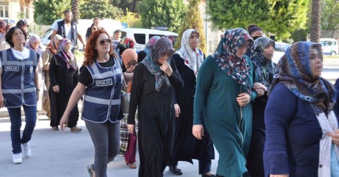 FETÖ'den 20 kadın gözaltında