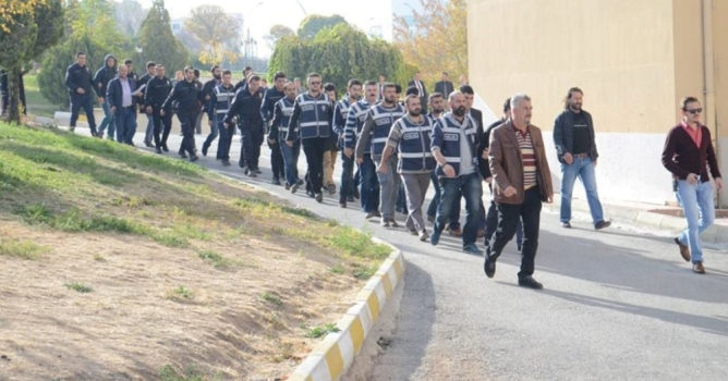 FETÖ'den 23 tutuklama