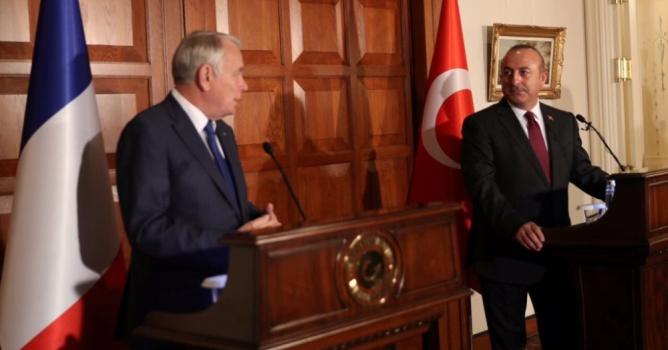 Fransa Dışişleri Bakanı  ile 'OHAL' gerginliği