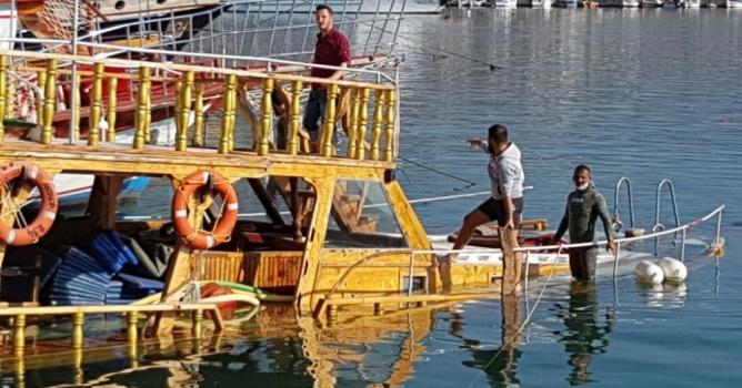 Gezi teknesi  alabora oldu