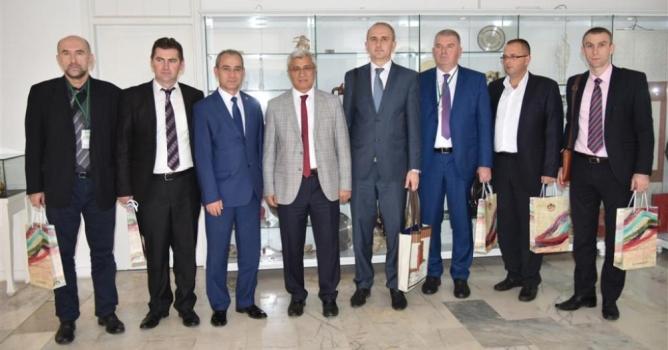 Huskic, Başkan Yücel'i  Tesanj'a davet etti