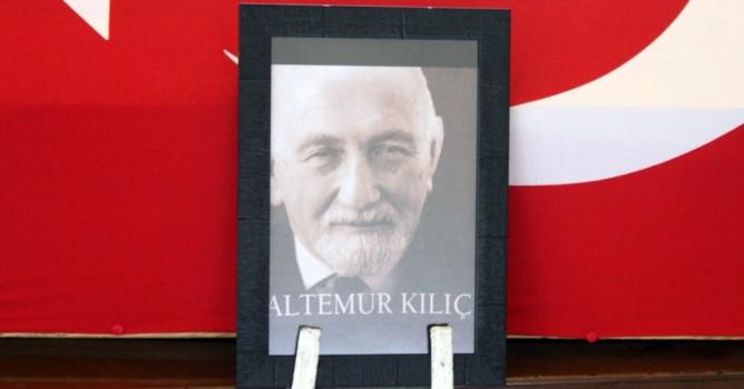 İstanbul'da toprağa verildi
