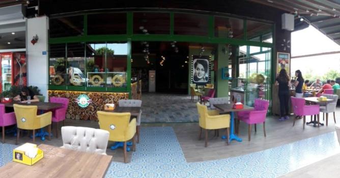 Nostalji ve lezzet bir arada:    Yeşilçam Kahve Evi