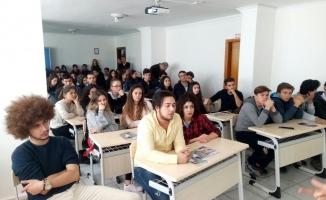 Öğrencilere yurtdışı  imkanlar anlatıldı