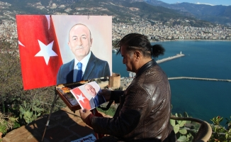 Azeri ressam Çavuşoğlu'nun portresini çizdi