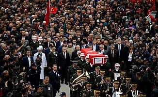 Burdur'da şehidi binler uğurladı