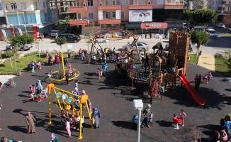 Mahmutlar'a 2 çocuk parkı