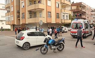 Otomobil ile motosiklet çarpıştı: 2 yaralı