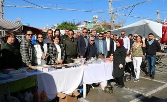 Pazarcı kadın Mehmetçik  yararına kermes düzenledi