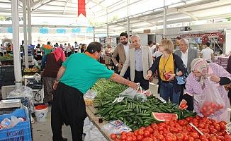 CHP pazarcıları dinledi
